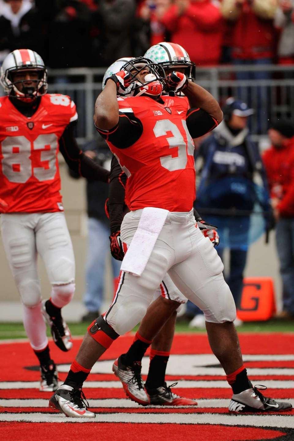 Carlos Hyde of the Ohio State Buckeyes celebrates