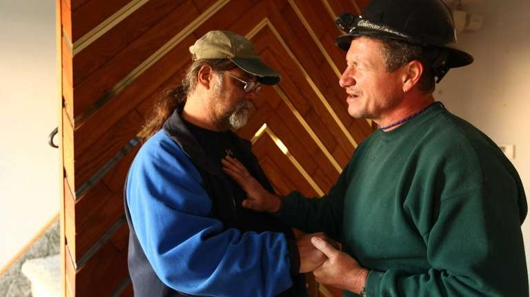 Dale Fisher, right, a Crisis Response International volunteer,