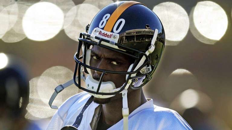 Newly signed Pittsburgh Steelers wide receiver Plaxico Burress