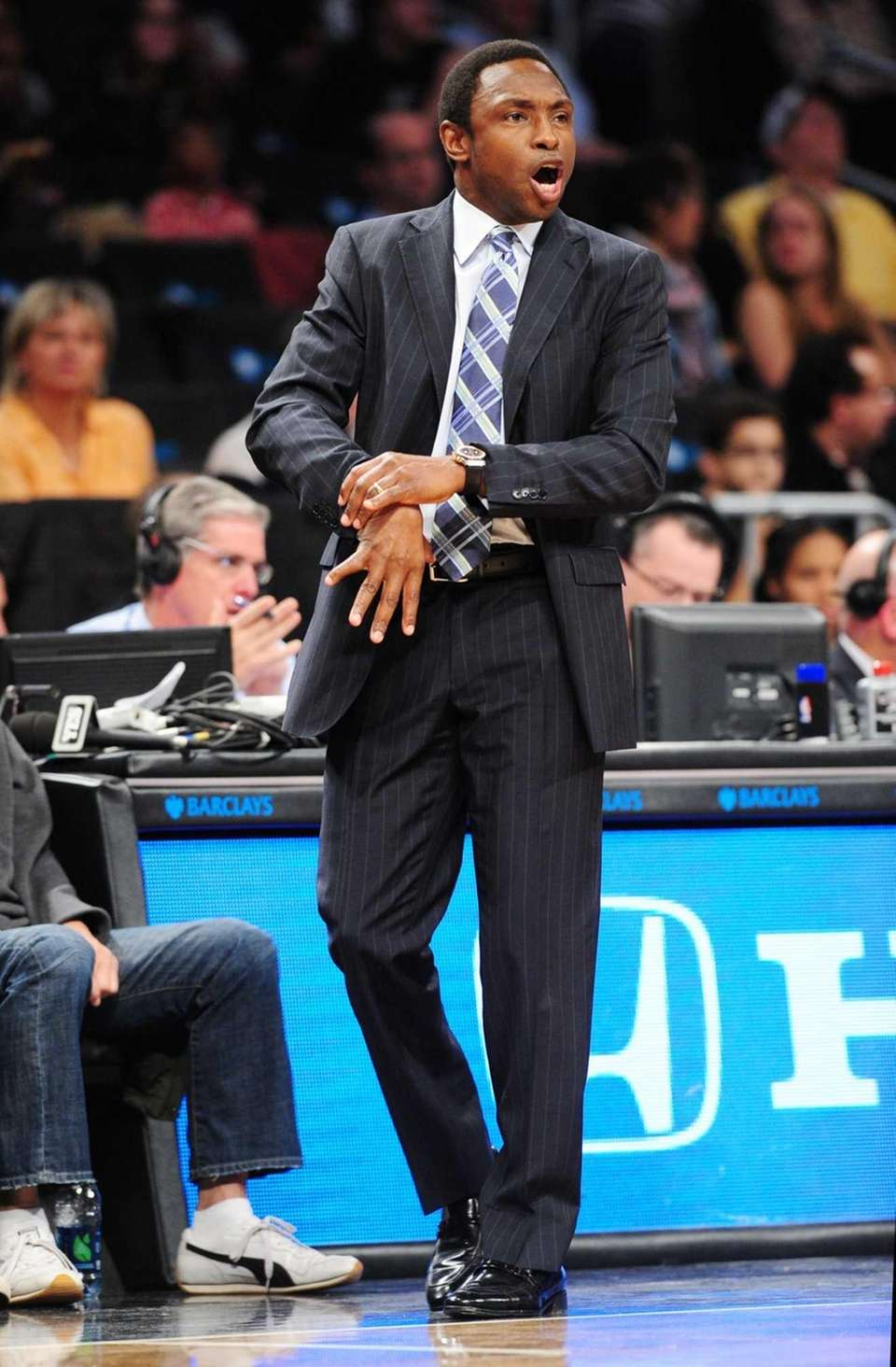 Brooklyn Nets head coach Avery Johnson calls out