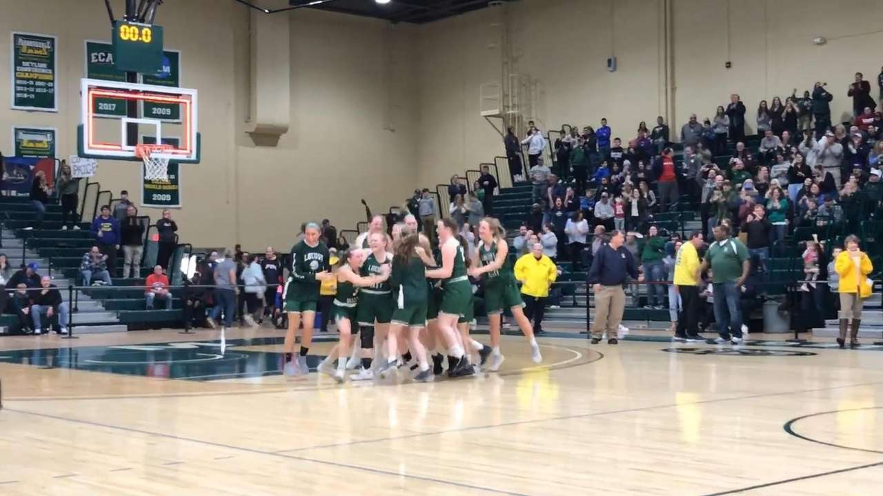 Highlights from No. 2 Locust Valley's 43-34 victory