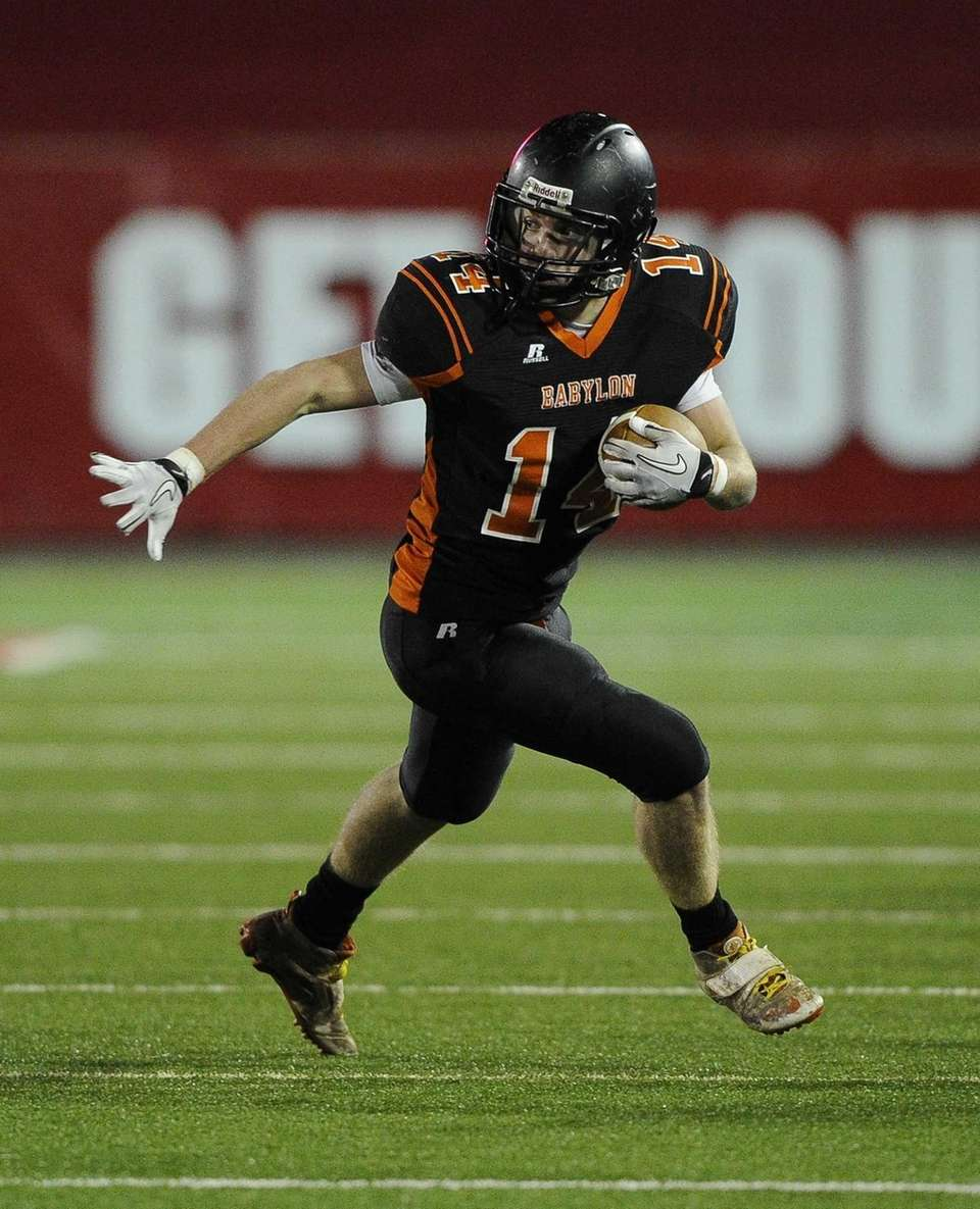 Babylon's Jake Carlock ran for a 53-yard touchdown