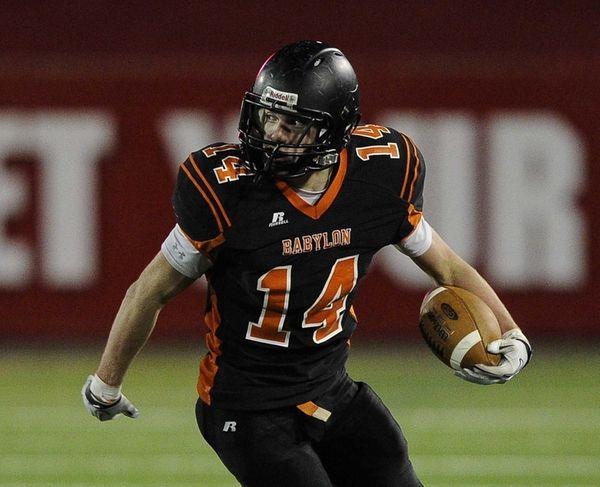 Babylon's Jake Carlock scores on a 53-yard touchdown