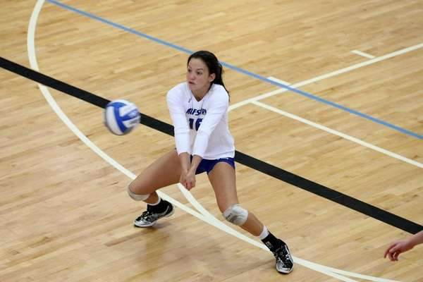 Hofstra senior volleyball player Kaylee Maneja bumps the