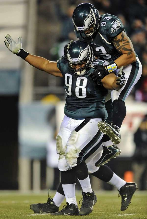 Philadelphia Eagles defensive tackle Mike Patterson and defensive