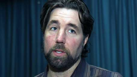 R.A. Dickey talks to students about believing in