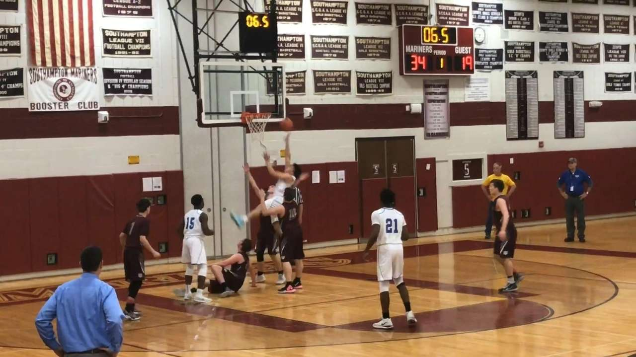 Smithtown Christian defeated Livingston Manor, 66-47, in a
