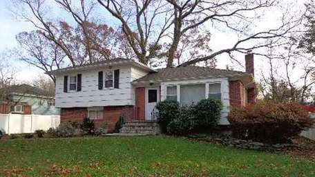 This house in Syosset is for rent for