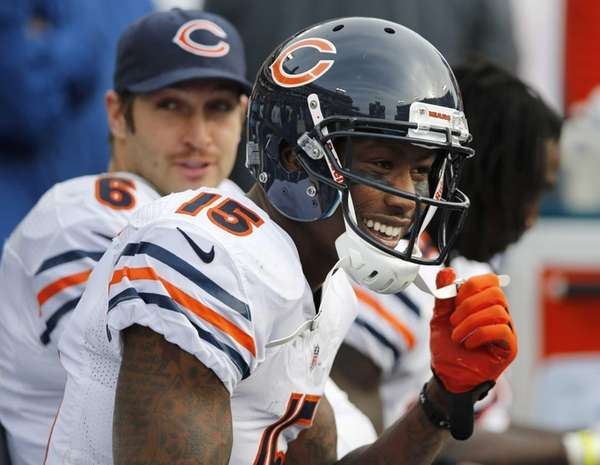 Chicago Bears wide receiver Brandon Marshall, left, and