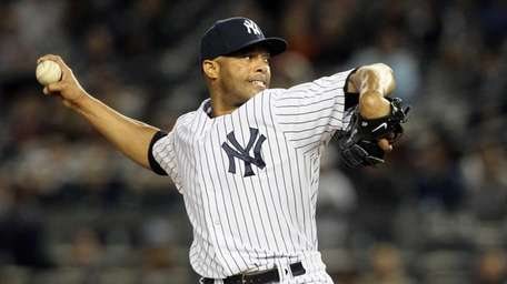 Mariano Rivera delivers a pitch during a game