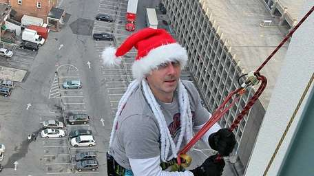 Brian Cashman prepares for Sunday's Climb by test