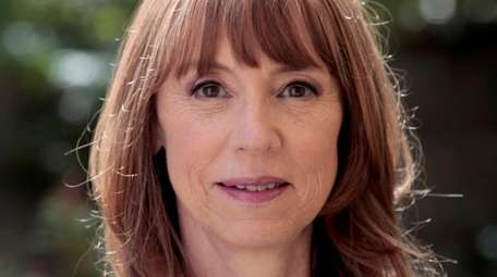 Author Lisa See talks about and signs copies