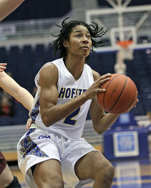 Hofstra's Candace Bond looks for a shot. (Dec.