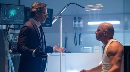 Dr. Emil Harting (Guy Pearce) and Ray Garrison