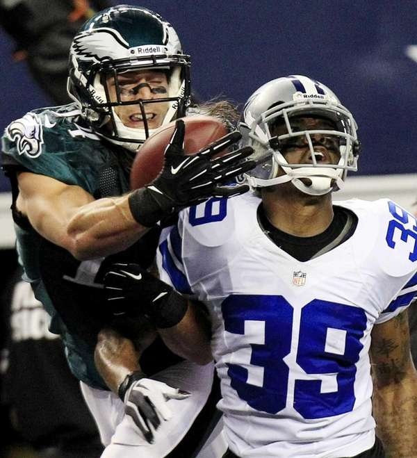 Philadelphia Eagles wide receiver Riley Cooper makes a