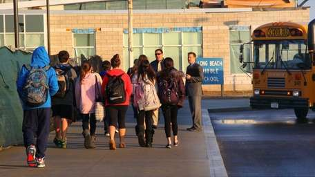 Students return to Long Beach Middle School for