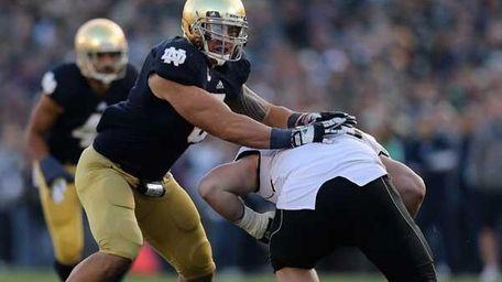 Manti T'eo #5 of Notre Dame Fighting Irish