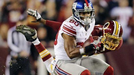 New York Giants wide receiver Victor Cruz pulls