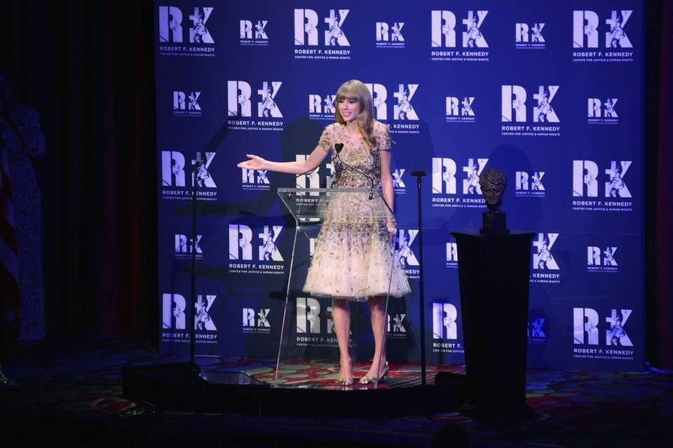 Singer Taylor Swift speaks onstage at the 2012