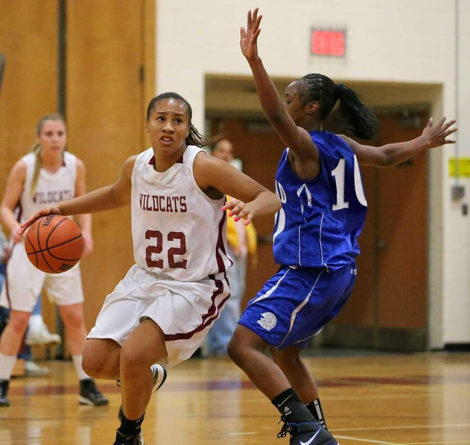 Whitman F Essence Casey drives the baseline against