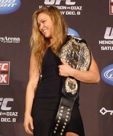 Ronda Rousey shows off her new UFC bantamweight