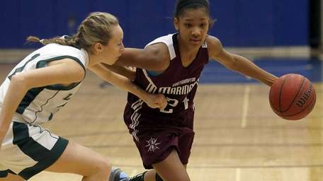 Southampton's Paris Hodges drives from the top of