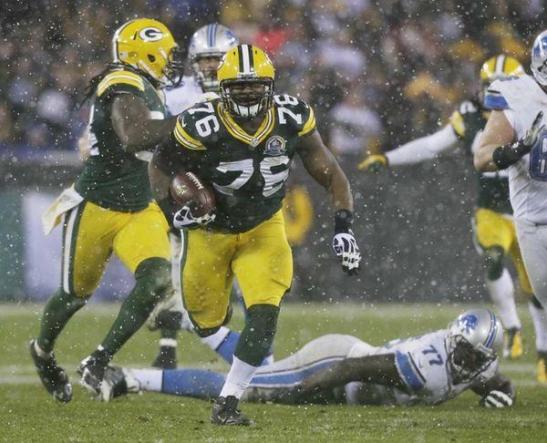 Green Bay Packers defensive end Mike Daniels picks