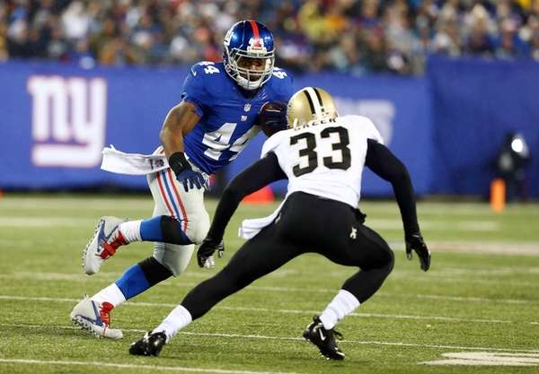 Ahmad Bradshaw of the New York Giants runs