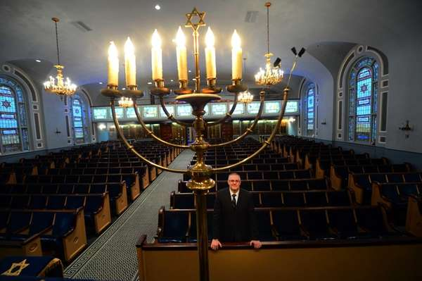 Rabbi David Bauman of Temple Israel of Long