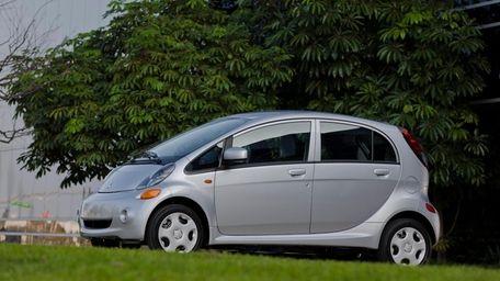 The 2012 Mitsubishi i was named a 10