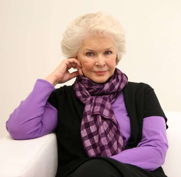 Ellen Burstyn has been awarded the Academy Award,