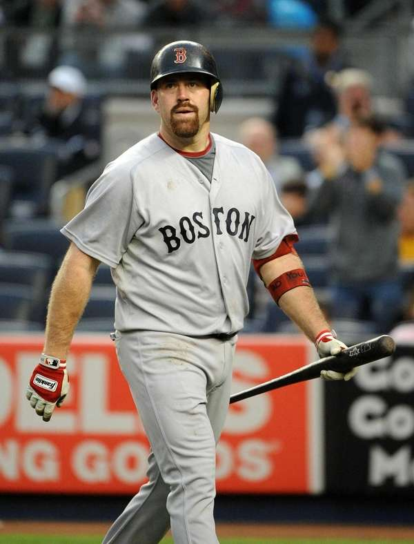 Boston Red Sox third baseman Kevin Youkilis (20)