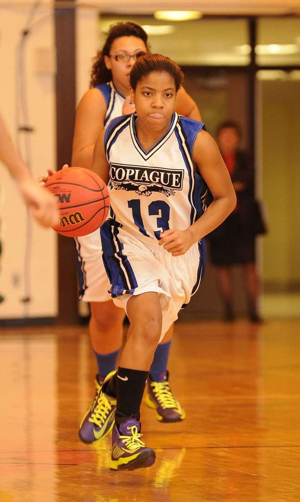Copiague's Ihnacinse Grady dribbles the ball against Longwood