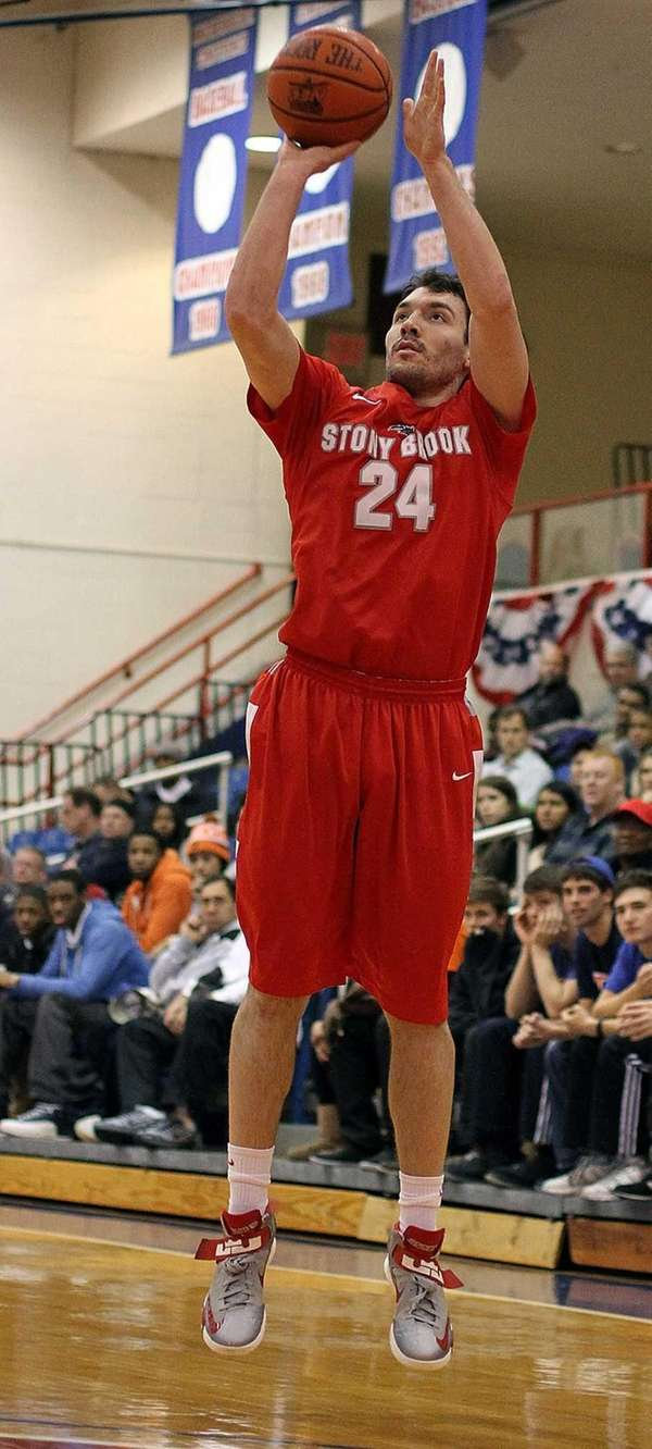 Stony Brook's Tommy Brenton shoots outside. (Dec. 11,