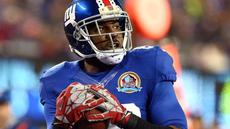 Hakeem Nicks of the New York Giants hauls