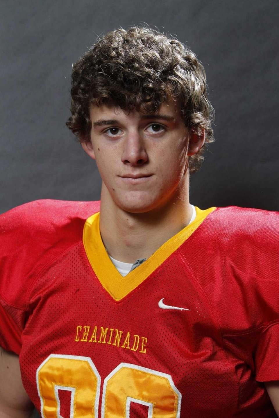 TOM ZENKER Chaminade, WR, 6-3, 200, Senior Caught