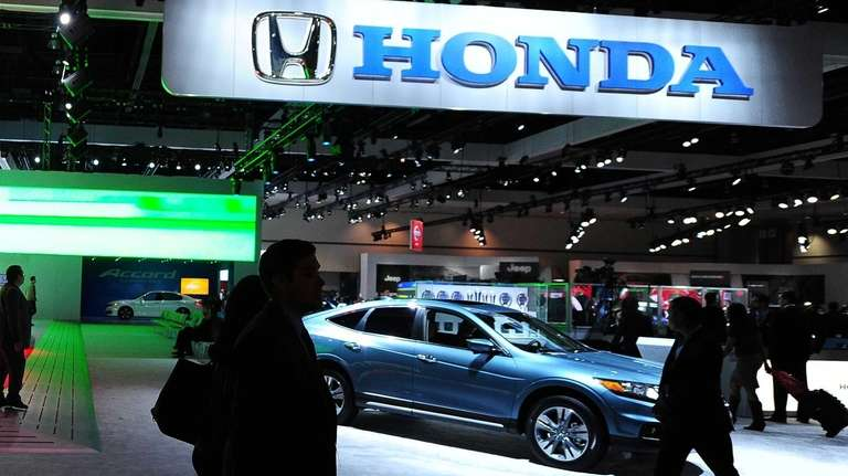 Honda is recalling more than 800,000 minivans and