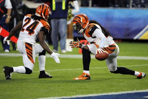 Cincinnati Bengals free safety Reggie Nelson, right, celebrates