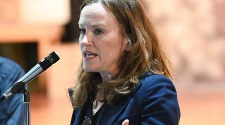 Rep. Kathleen Rice at Oceanside Middle School on