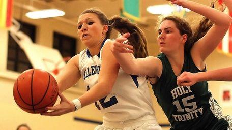 Kellenberg's Amanda Crimarco gets control of the ball