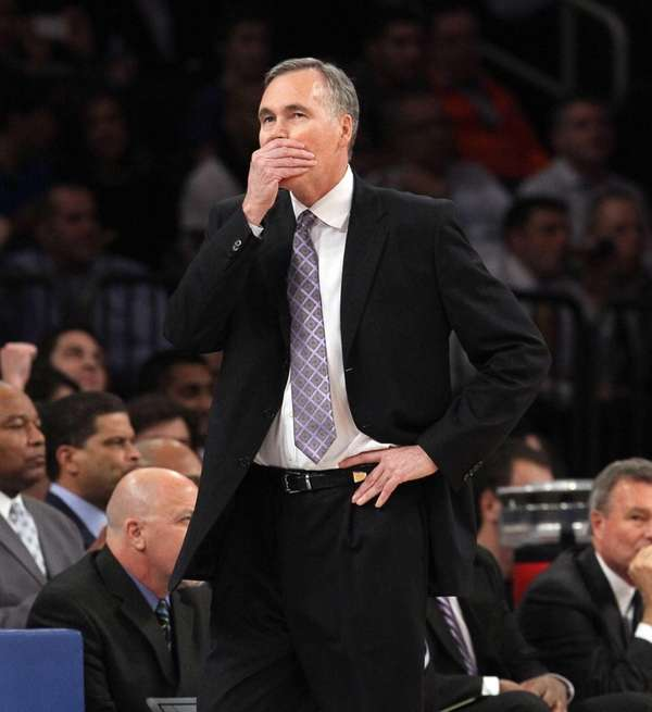 Lakers head coach Mike D'Antoni stands on the