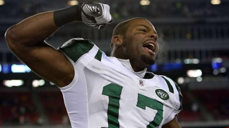 Braylon Edwards celebrates on his way to defeating