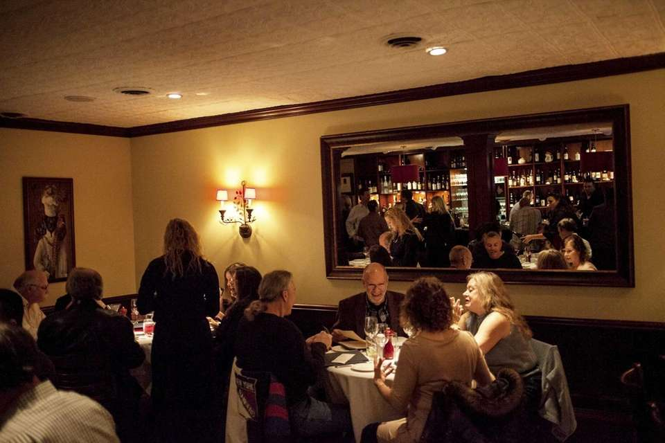 JONATHAN'S RISTORANTE, Huntington We say:Here's a handsome, unpretentious,