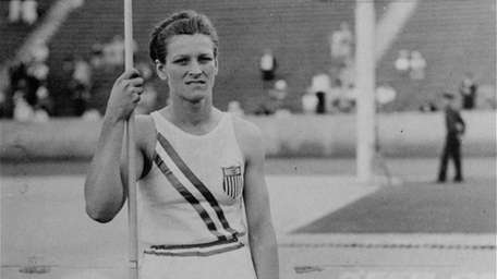 """USA's Mildred """"Babe"""" Didrikson before her first throw"""