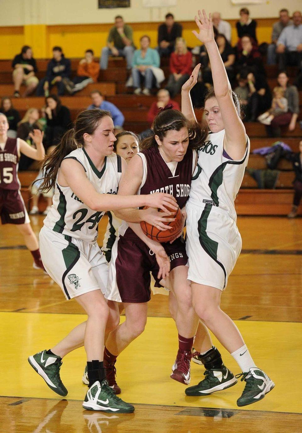 North Shore's Erin Sheerin drives the ball between