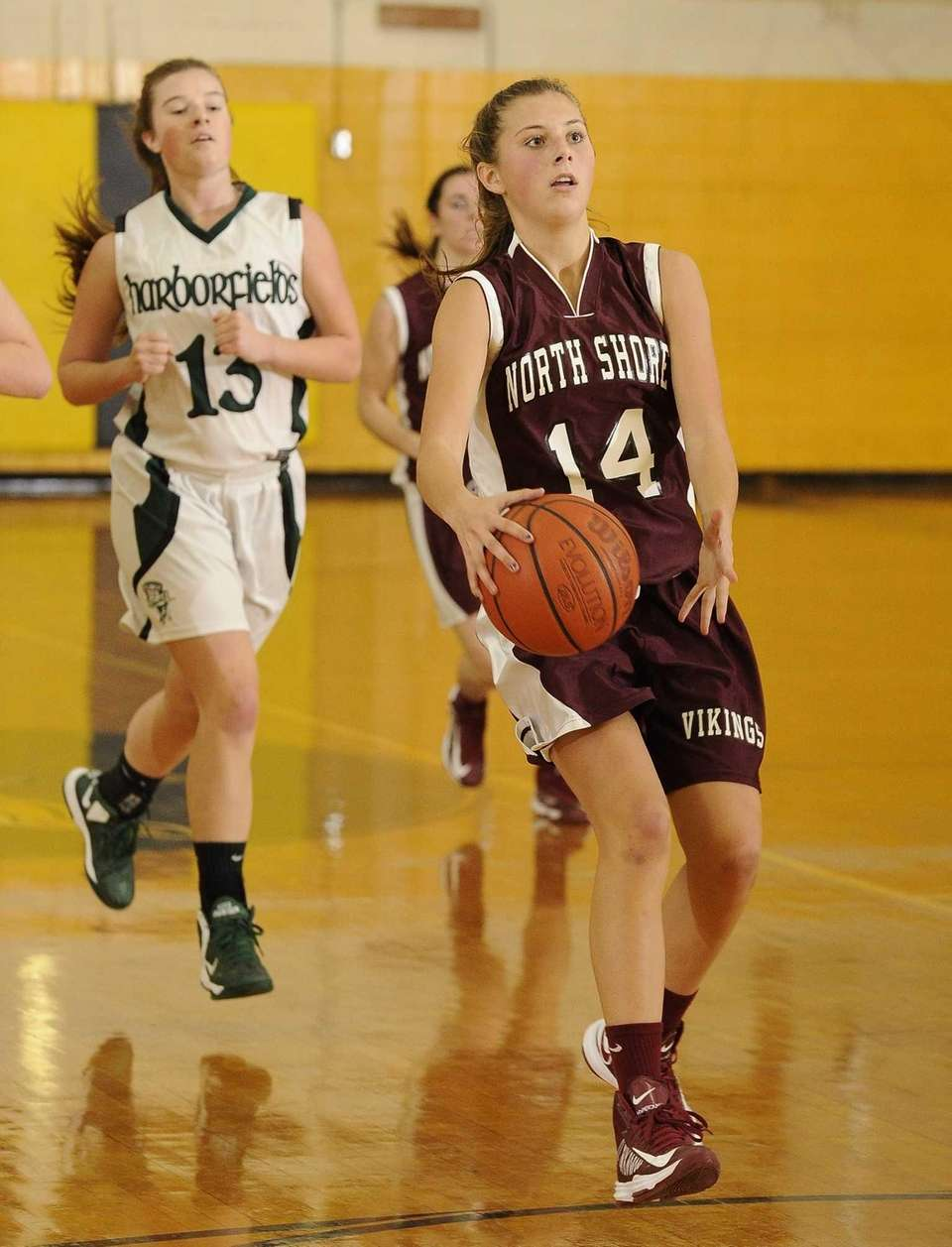 North Shore's Alexandra Cantwell pulls up to shoot