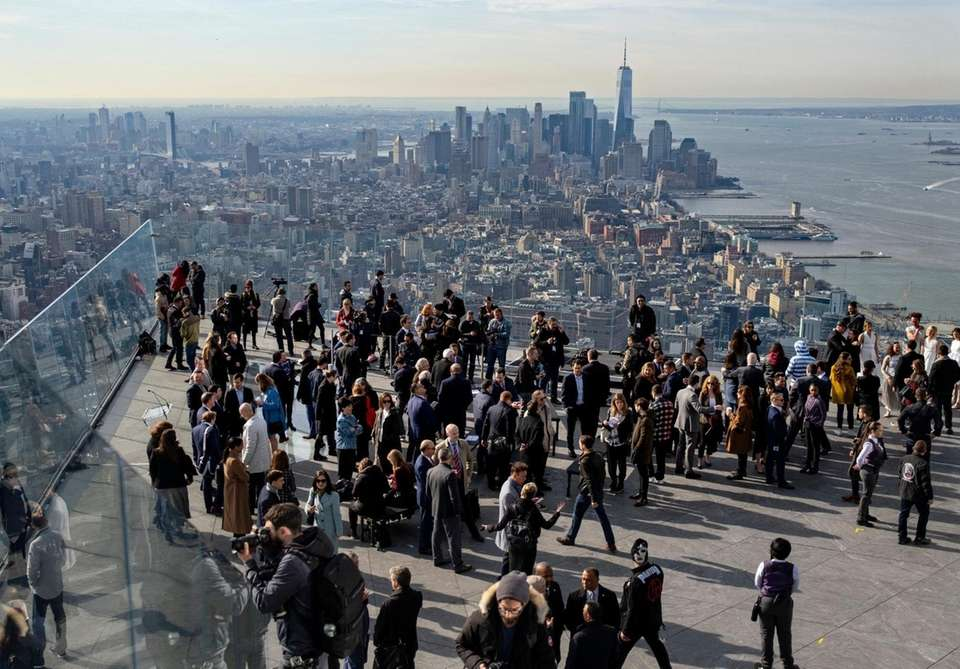 Visitors, the first to visit the Edge at