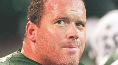 Jets offensive lineman Jumbo Elliott on the sidelines