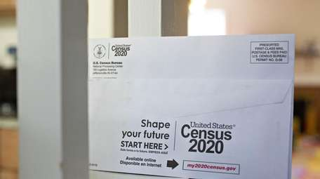 U.S. Census 2020 mailings are dropping into mailboxes
