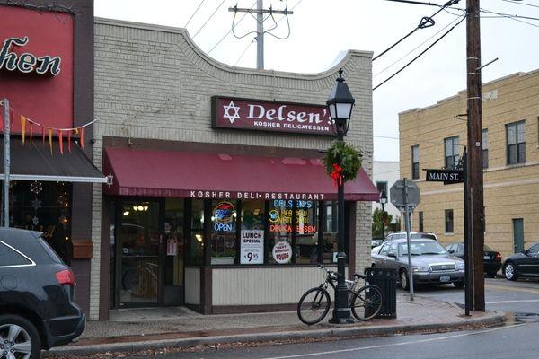 Delsen's Kosher Gourmet Delicatessen in Bay Shore. (Dec.